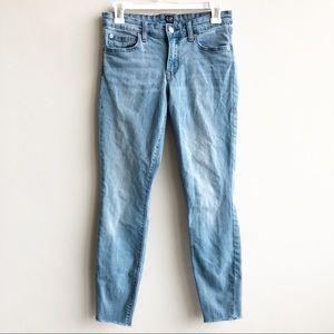 GAP Light Wash Distressed Frayed Hem Skinny Jeans.